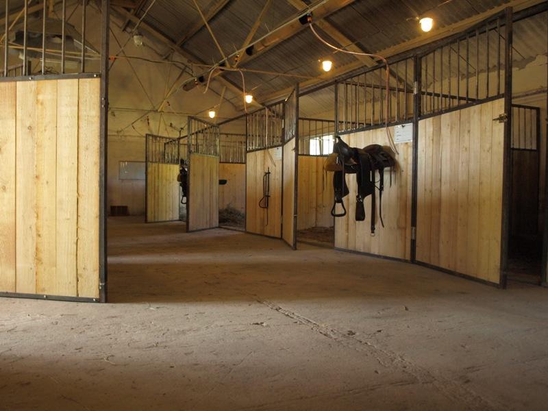 AdventureRide zirgu stallis