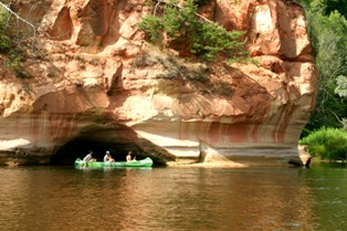 Outdoor guide boating or kayaking